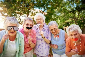 Group of seniors having fun at a Skilled Nursing Facility in Peoria IL